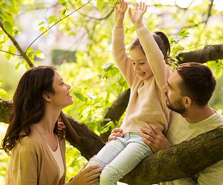 happy-family-in-summer-park-having-fun_size